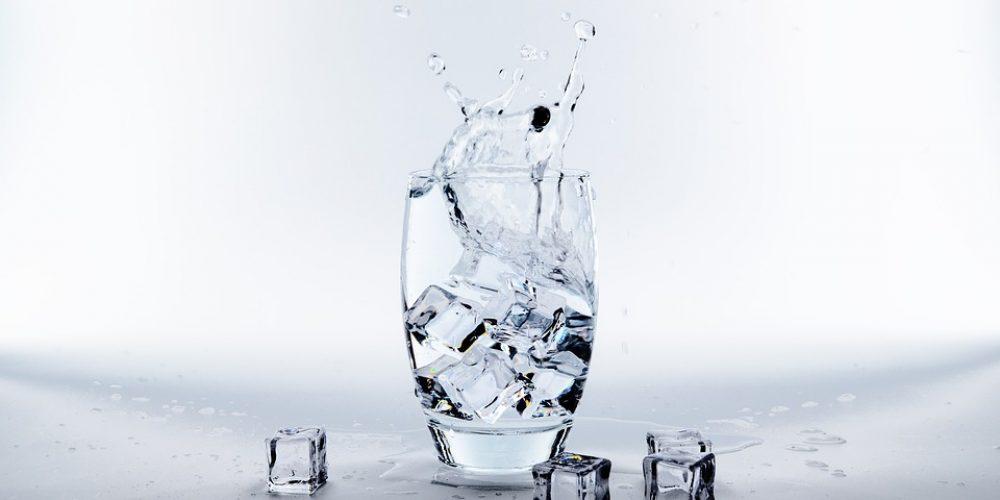 เครื่องทำน้ำแข็งสำหรับผลิตน้ำแข็งในร้านอาหารและโรงงาน